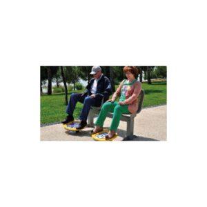 Dobbel benk for ankeltrening. Forbedrer ankelrotasjon. Kan også brukes av rullestolbrukere.